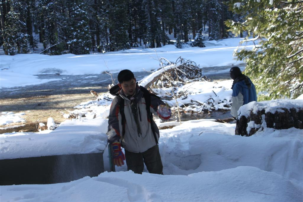 space/pictures/past_years/2011-0409-SnowCamp-Calaveras-BigTrees/IMG_8468 (Large).JPG -|- Last modified: 2011-04-11 00:18:25