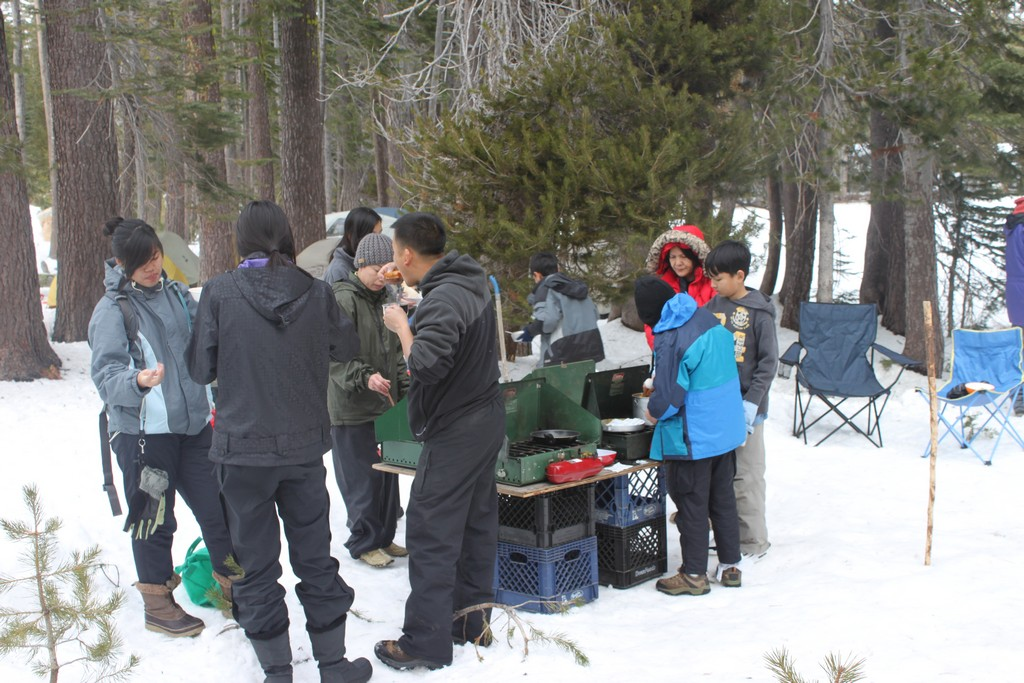 space/pictures/past_years/2012-0218-0219-SnowCamping-Spicer-SnoPark/IMG_6029.jpg -|- Last modified: 2012-02-18 16:21:38