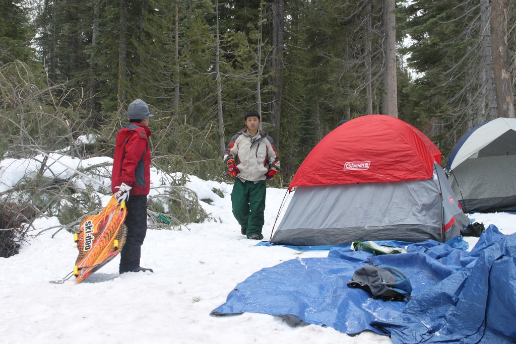 space/pictures/past_years/2012-0218-0219-SnowCamping-Spicer-SnoPark/IMG_6045.jpg -|- Last modified: 2012-02-18 18:16:14