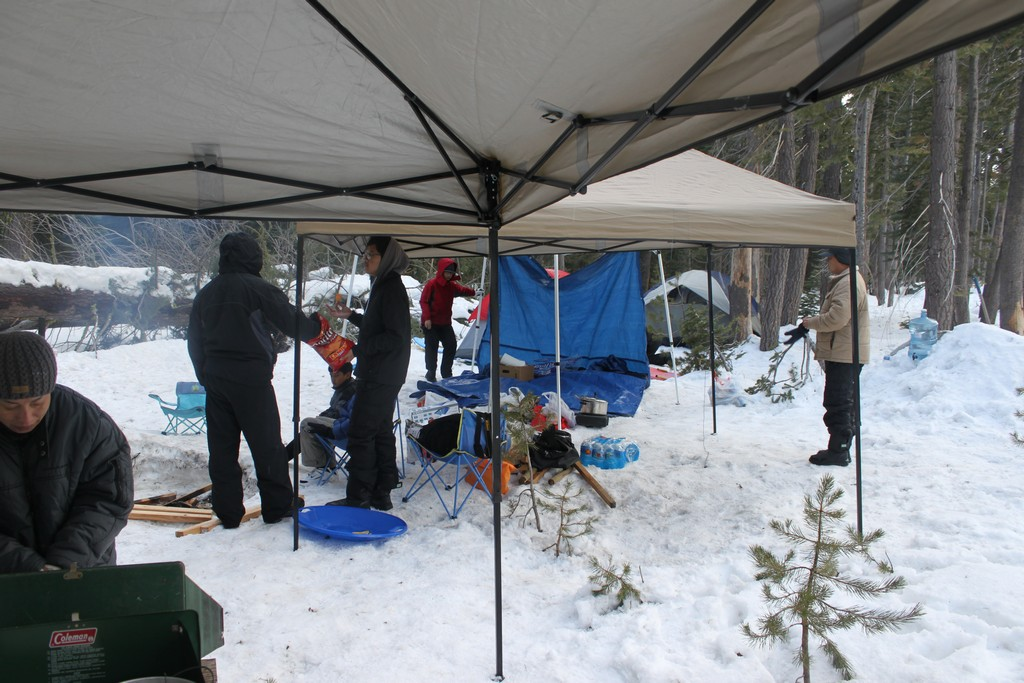 space/pictures/past_years/2012-0218-0219-SnowCamping-Spicer-SnoPark/IMG_6048.jpg -|- Last modified: 2012-02-18 19:00:38