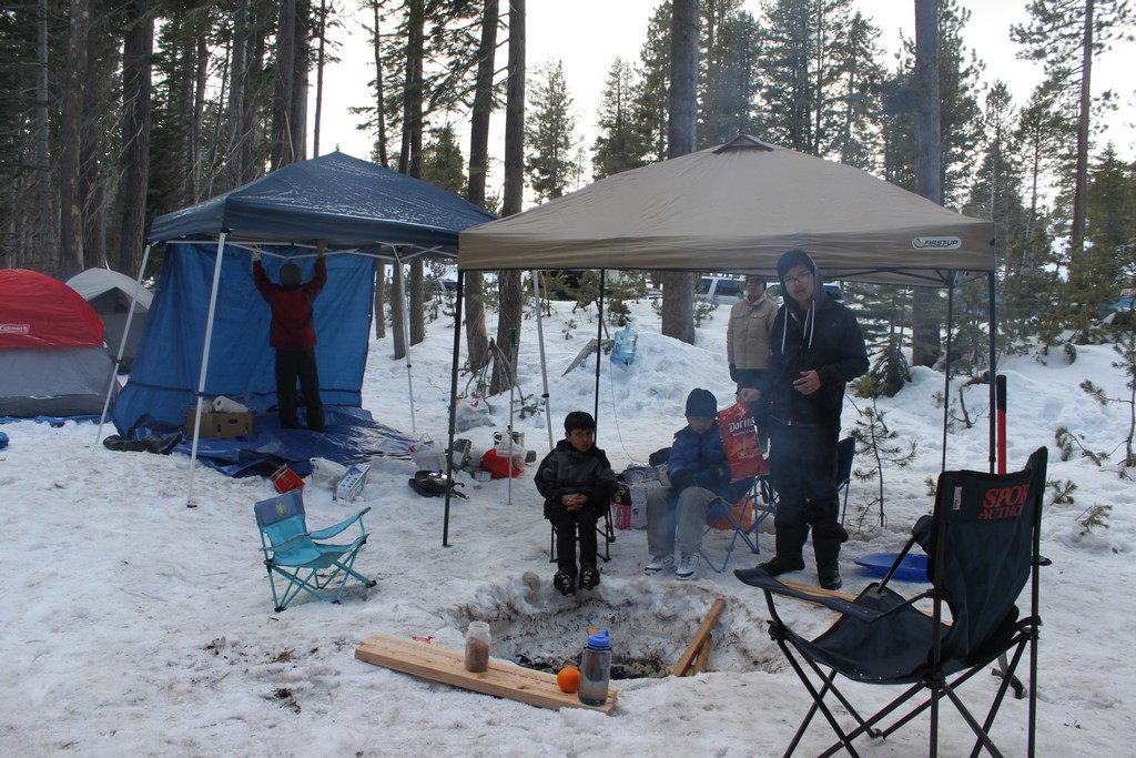 space/pictures/past_years/2012-0218-0219-SnowCamping-Spicer-SnoPark/IMG_6051.jpg -|- Last modified: 2012-02-18 19:00:56